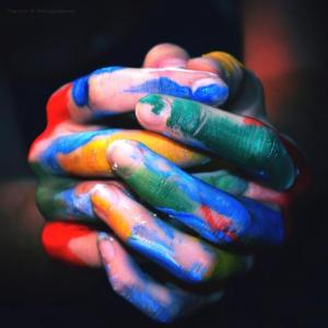 hands color